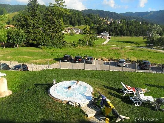Grand hotel biancaneve predaia - Folgaria hotel con piscina ...