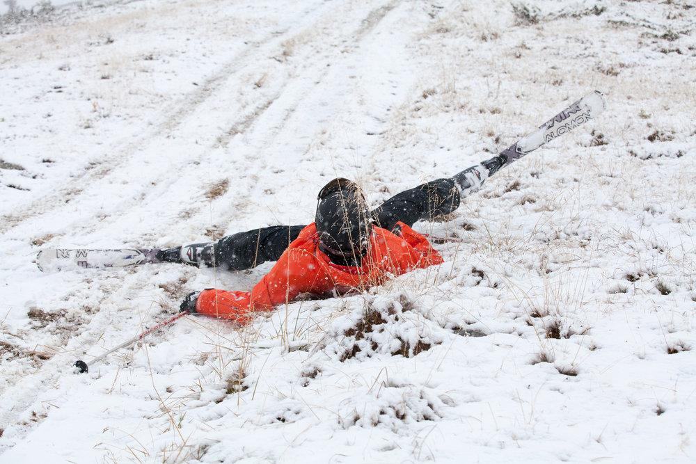 Knall og fall er mulig også med lite snø! - © Roger Hjelmstadstuen