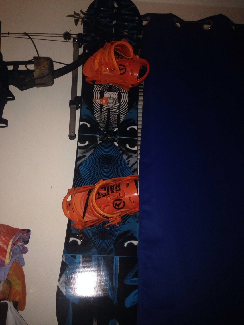 My board is so ready to hit the snow and the cold weather is a plus sign pray for snow.