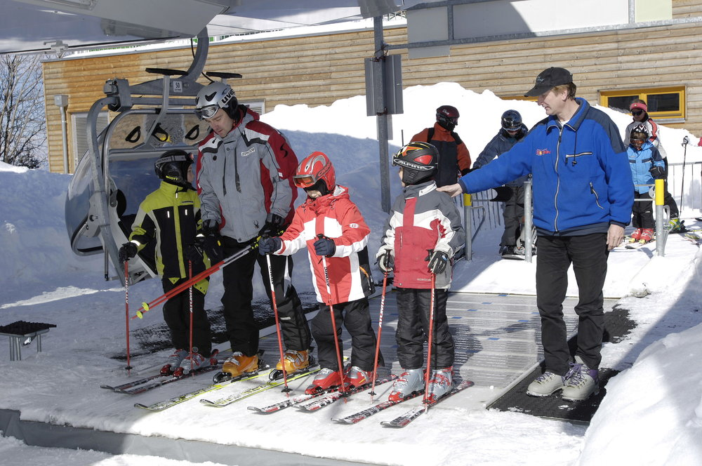Skiing lessons for children are available - © Koralpe