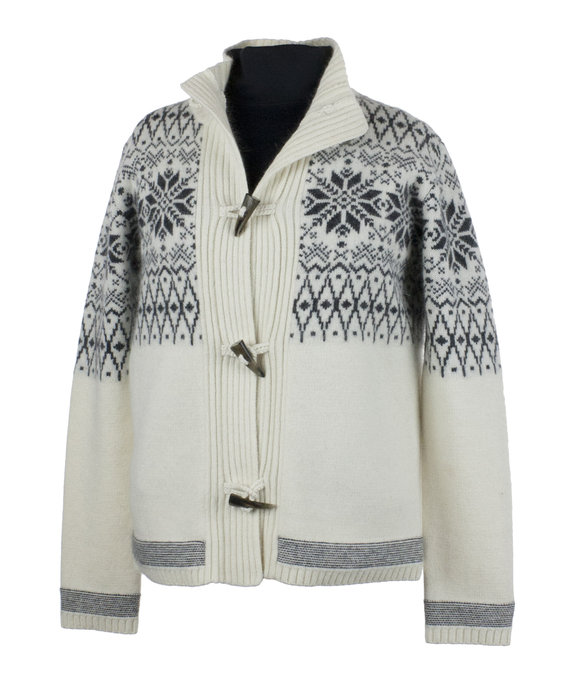 """Obermeyer Soraya Cardigan: $199.50 This soft, relaxed-fitting sweater will have her channeling her inner Maria Von Trapp. A """"lodge-ready sweater"""" pulled from the """"Obermeyer archives,"""" this style is just as chamring in the black colorway option."""