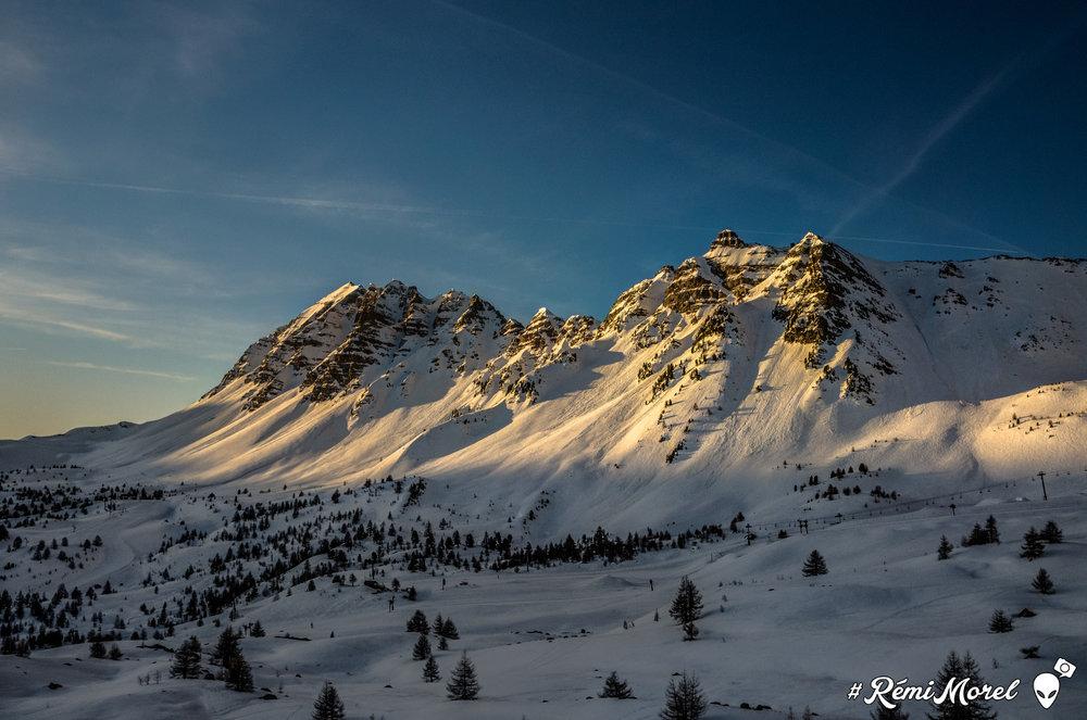 Impressionen aus dem Skigebiet Vars - © Remi Morel