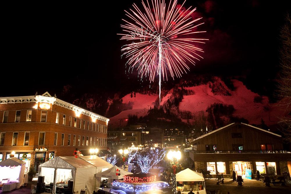 Fireworks explode over Aspen / Snowmass during the 12 Days of Aspen. - ©Aspen / Snowmass