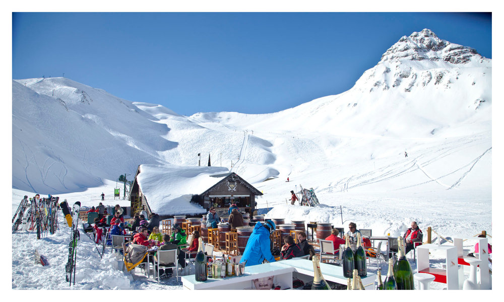 Ambiance festive sur le domaine skiable de Formigal - © Aramon