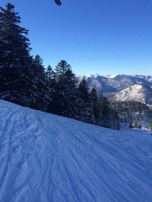 Magnifique neige et superbe soleil aujourd'hui. Accès sans équipements spéciaux.