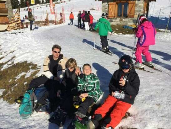 Day one 21st Dec sun and some ski-ing. staying at Mamray chateau very comfy.