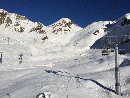 01/01/15 - Inizio anno perfetto, neve un po' primaverile ma buona, impianti perfetti e veloci e tantissimo sole!