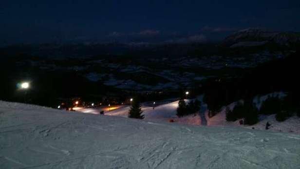 la saison commence mal pas de neige mais il y a eu moyen de skier quand même ;-)