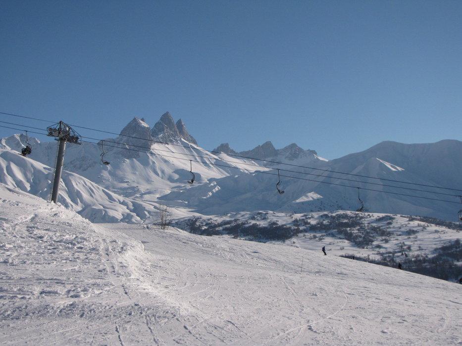 Ambiance haute montagne sur le domaine skiable d'Albiez Montrond - © OT Albiez / M. Fumaz