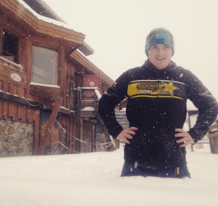 W Alpe d'Huez  śnieg prawie do pasa - 27.12.2014 - © Alpe d'Huez Officiel/Kosic Milan