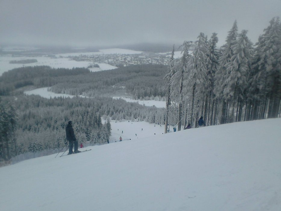 Ski Resort Plešivec in Ore Mountains - © facebook.com/skiarealplesivec