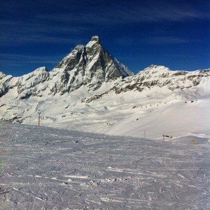 Giornata bellissima , non tanta gente . Neve fresca sulle piste con la conseguente formazioni di gobbe , ma nel complesso una buona neve soprattutto in alto.
