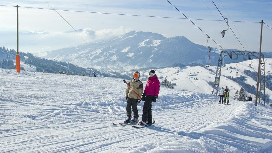 Bequem per Lift zur Spitze des Berges - © Skilift Neusell
