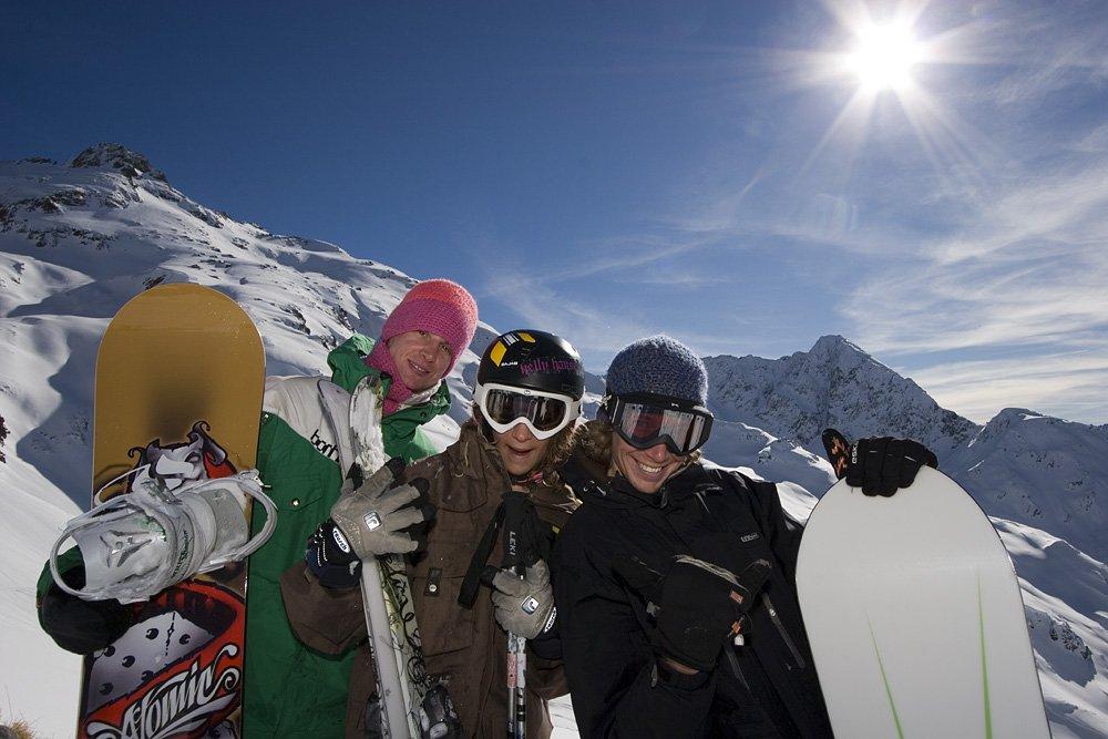 Boardergruppe am Sonnenkopf - © Skigebiet Sonnenkopf