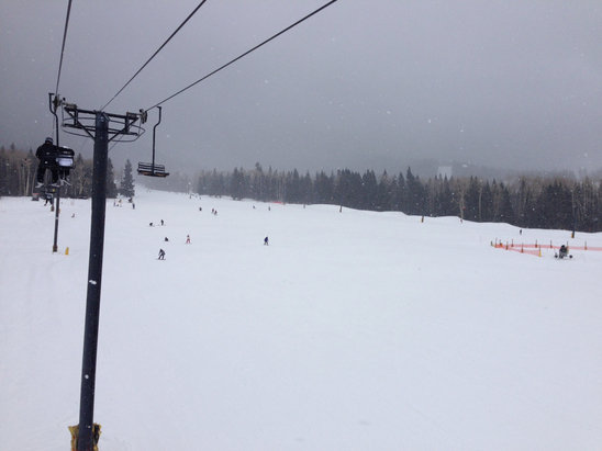 Great snow all afternoon and more falling as I type. Get your board on!  Forecast says +3 feet of snow for tomorrow.