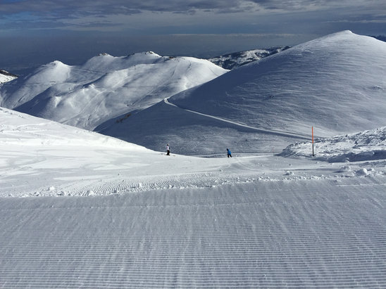 Fantastic!! Well groomed and great skiing!