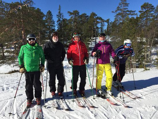 Kongsberg Skisenter - Flott dag igjen i bakken, en stor hyllest til han som har preppa bakken takk bra jobba og meget bra forhold - © iPhone