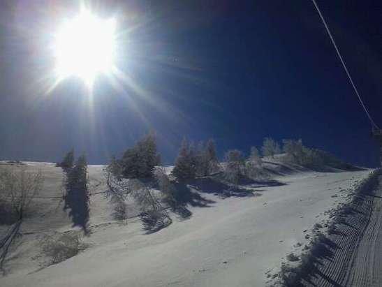 Les Monts d'Olmes - tres bonne neige pour fin mars et merci au personnel de la station - © francisarcens