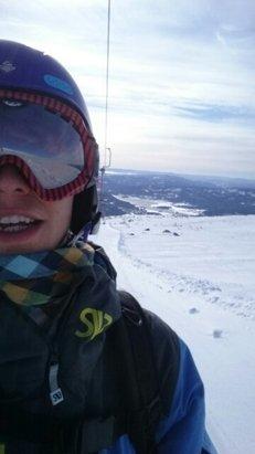 Norefjell - skare fra midten og ned. mjukt på toppen!  - © davfri