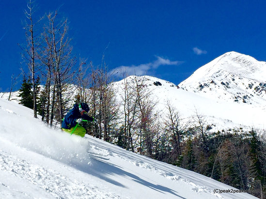 Nakiska Ski Area - Still great snow conditions on Gold - © peak2peakski