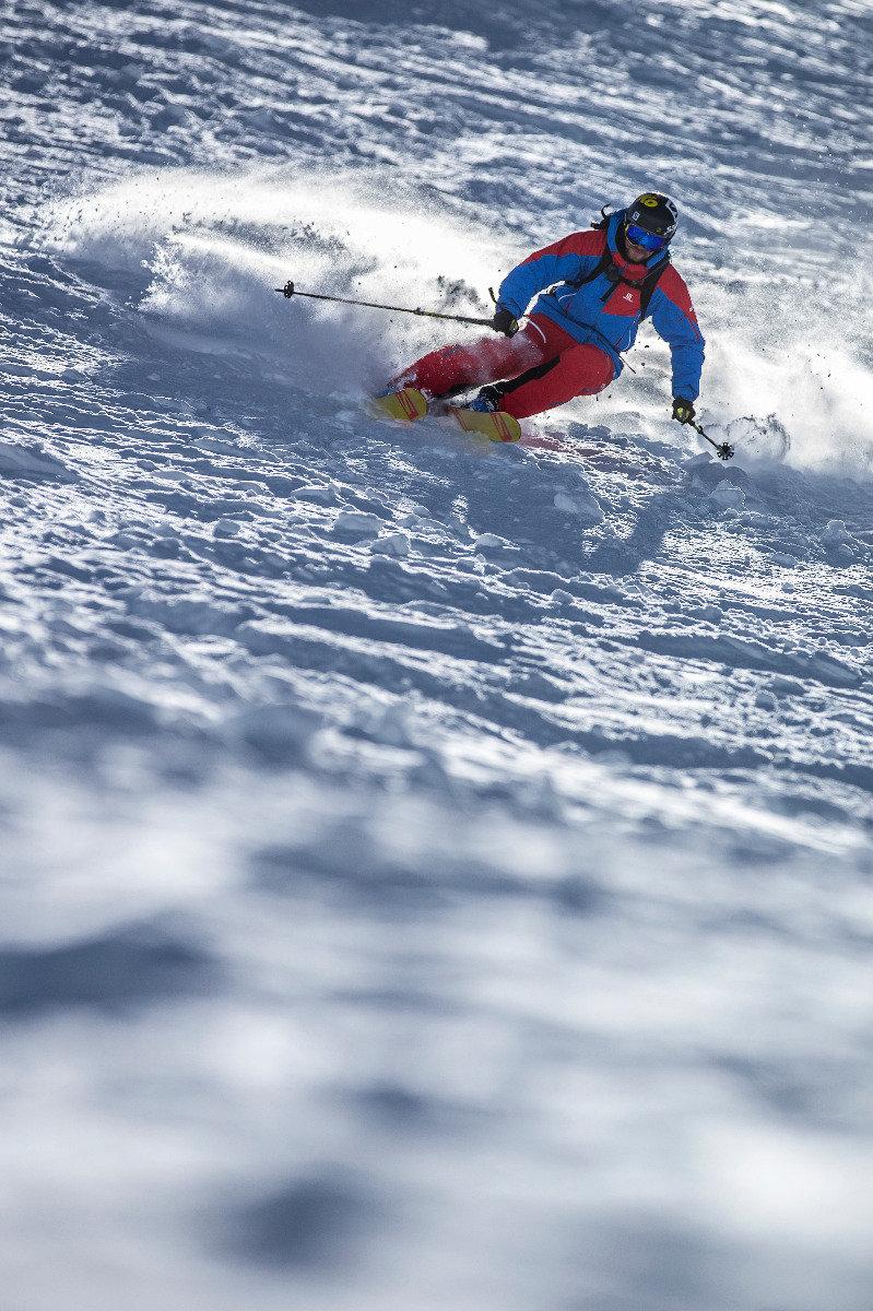 Jochen Reiser von der Snowacademy weiß wie es geht - © Christoph Jorda | www.christophjorda.com