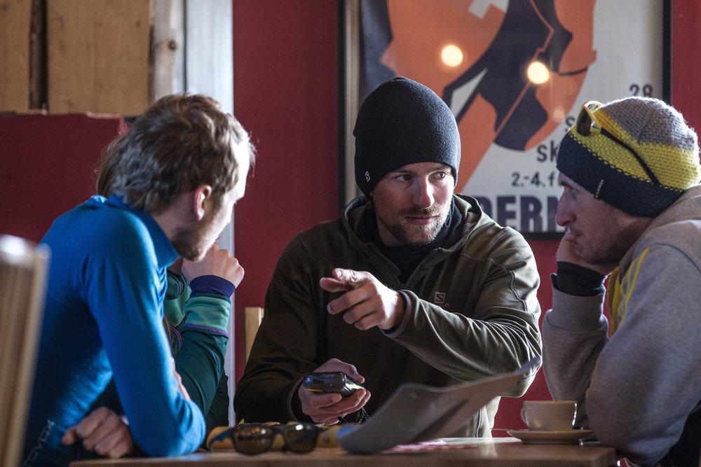 """Theoriestunde"" in der Hütte - © Christoph Jorda | www.christophjorda.com"