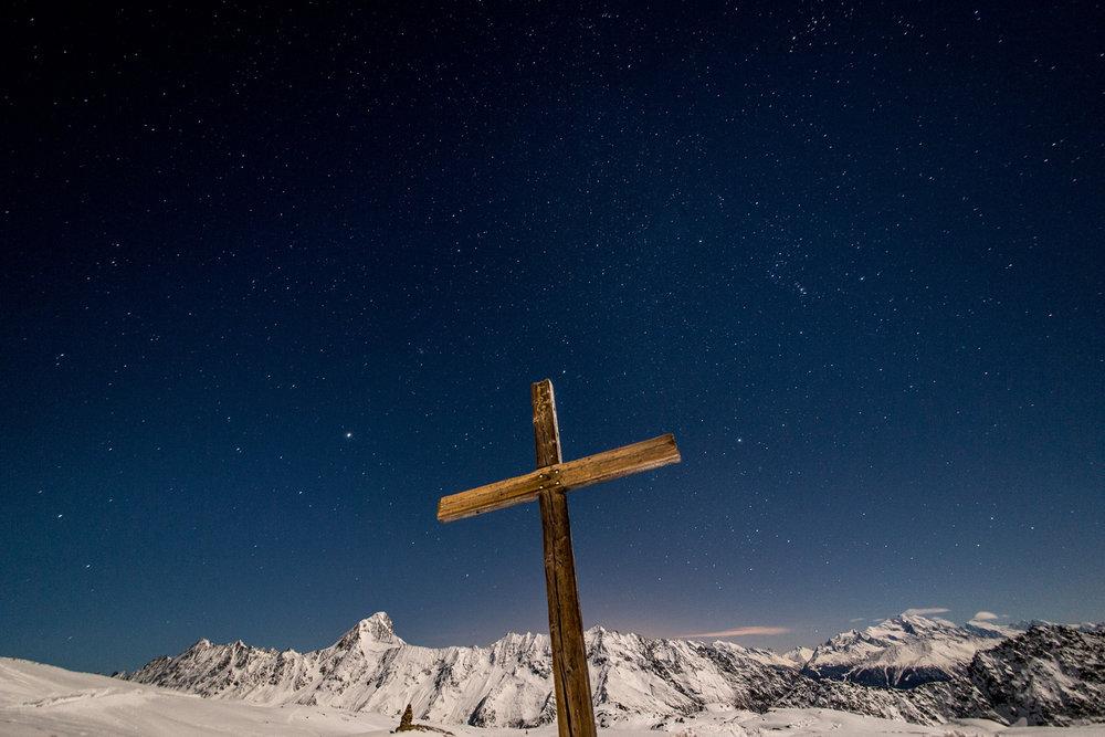 Gipfelkreuz und Sterne