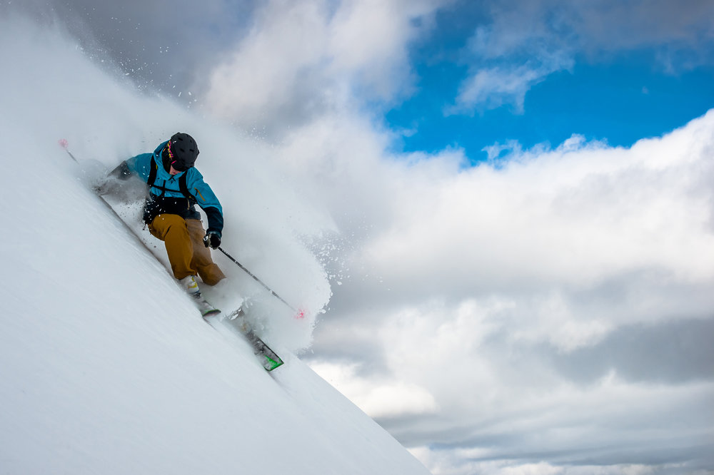 Back bowl rippin' at Lake Louise. - © Reuben Krabbe