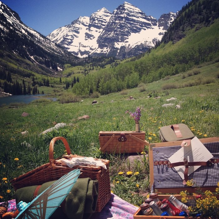 Picnic lunch high in the Rockies - © St. Regis Aspen