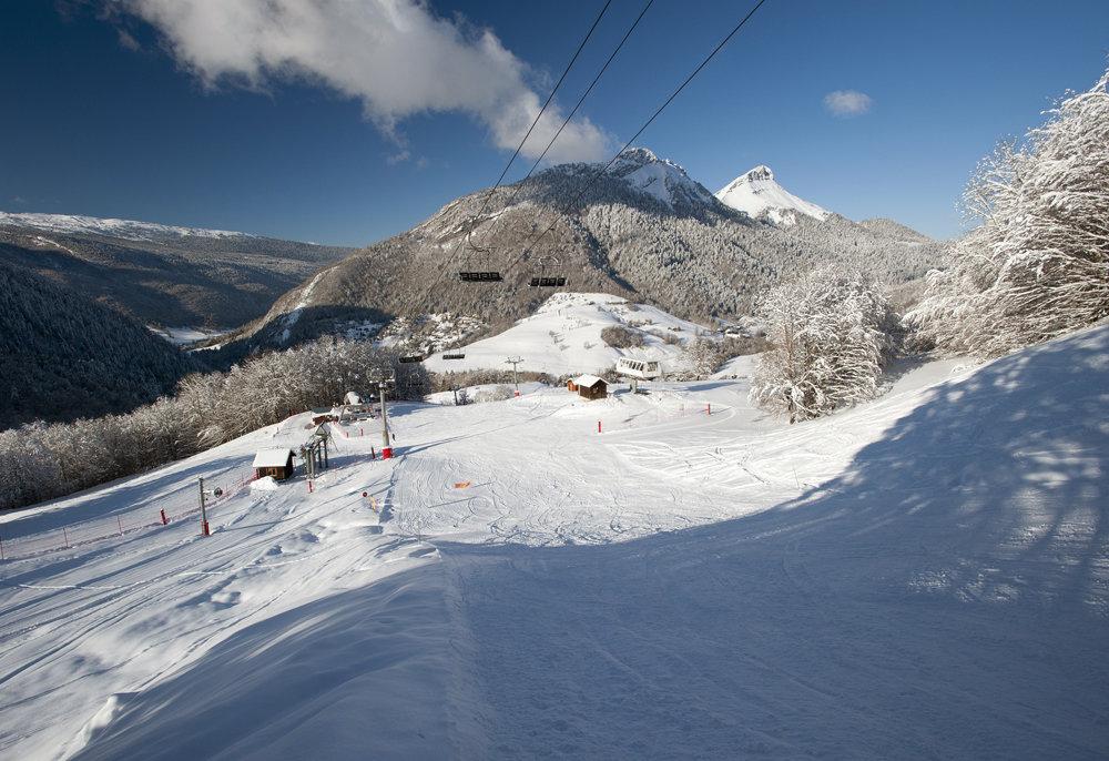 Sur le domaine skiable des Aillons - © OT des Aillons-Margériaz