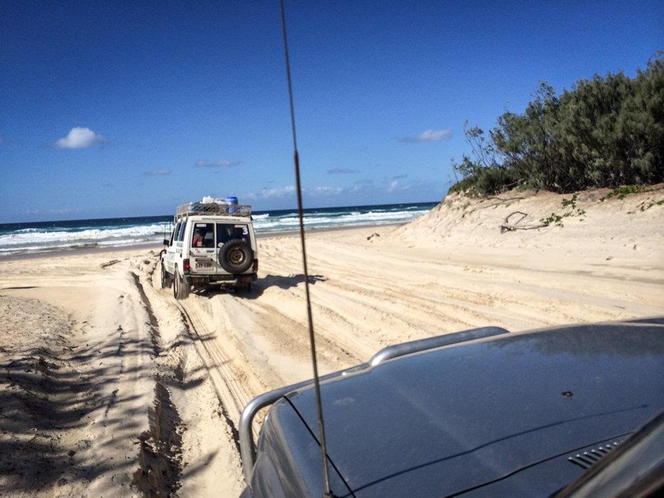 Der ganz besondere Fahrspaß auf Fraser Island - © Julia Mohr | Florian Reuter