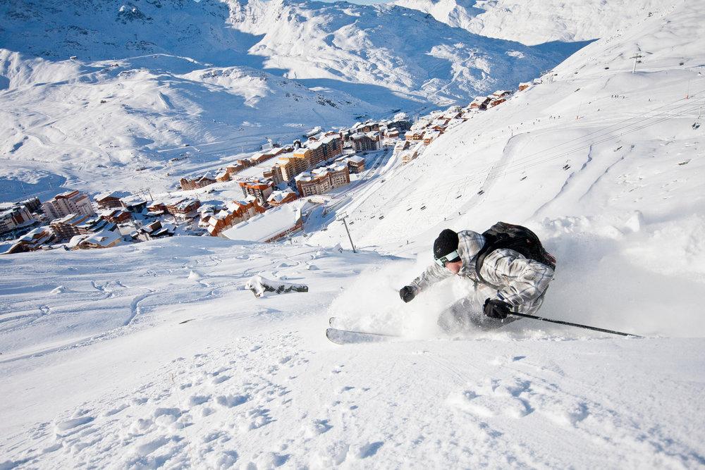 Une session freeride sur les pentes enneigées de Val Thorens, accompagné de Timothée Théaux, ça vous tente ? - © C. Cattin / OT Val Thorens