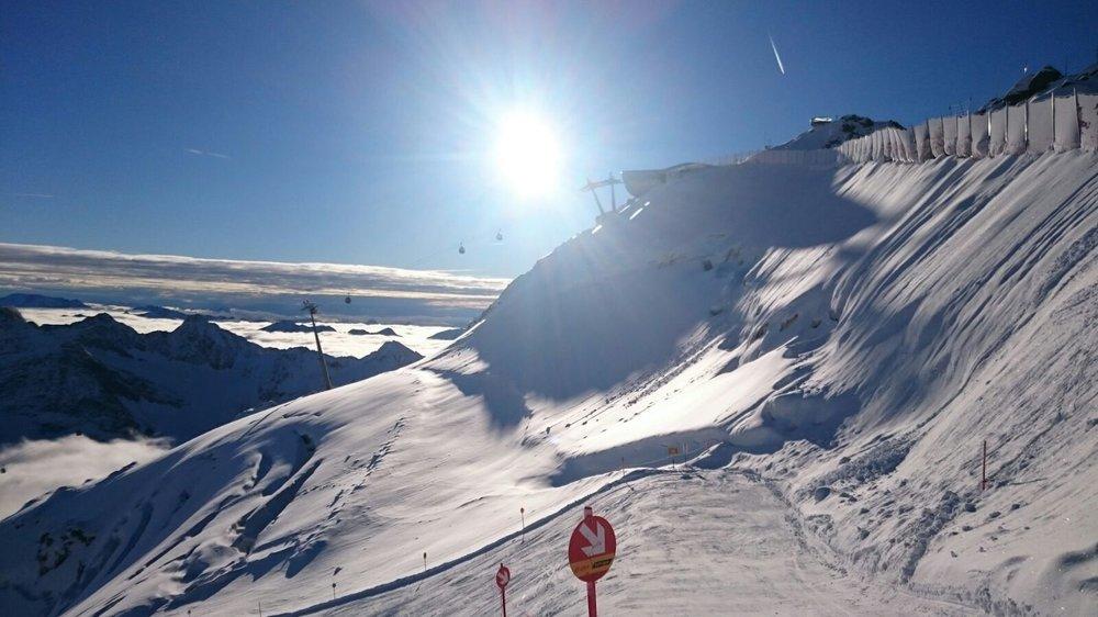 Slunečný den na Pitztalském ledovci - © Pitztaler Gletscherbahn GmbH&CoKG