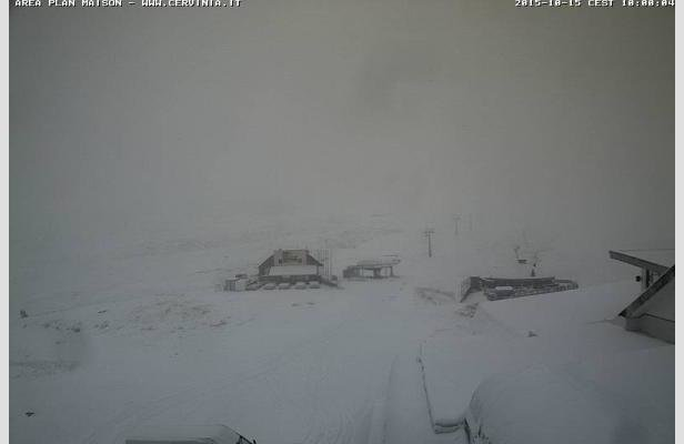 Cervinia, neve fresca 15.10.15 - © Cervinia.it webcam