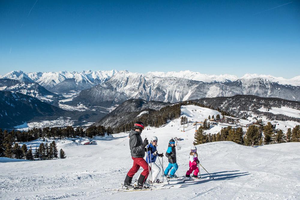 Von oben, erblickt man das ganze Skigebiet - © Bergbahnen Hochoetz