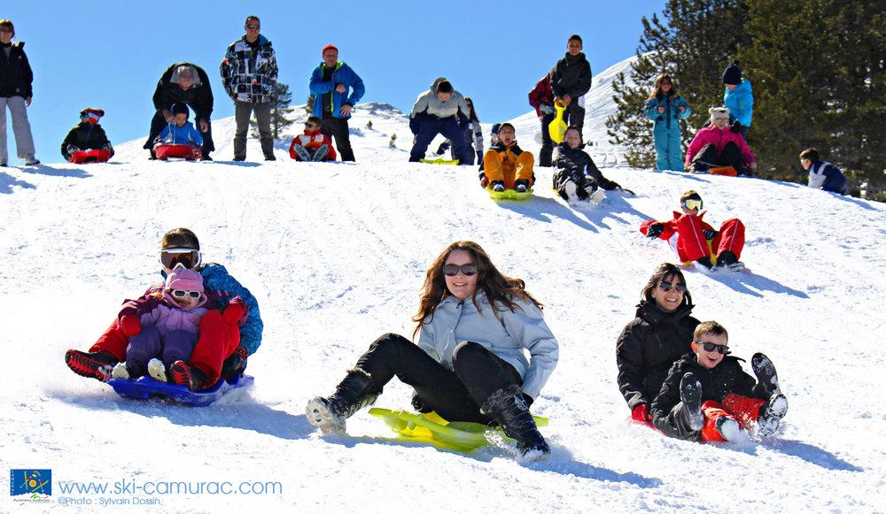 Plaisirs simples et joies de la glisse à Camurac - © Sylvain Dossin / Station de ski de CAMURAC
