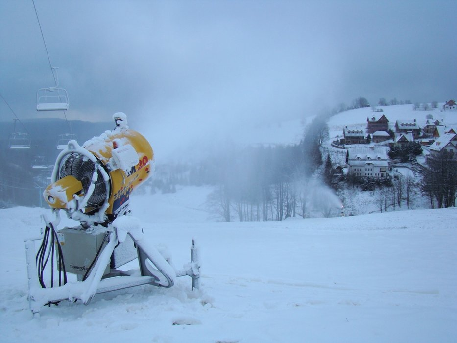 Zieleniec śnieży na całego. Otwarcie ośrodka nastąpi w ciągu najbliższych kilkunastu dni. - © Zieleniec Ski Arena