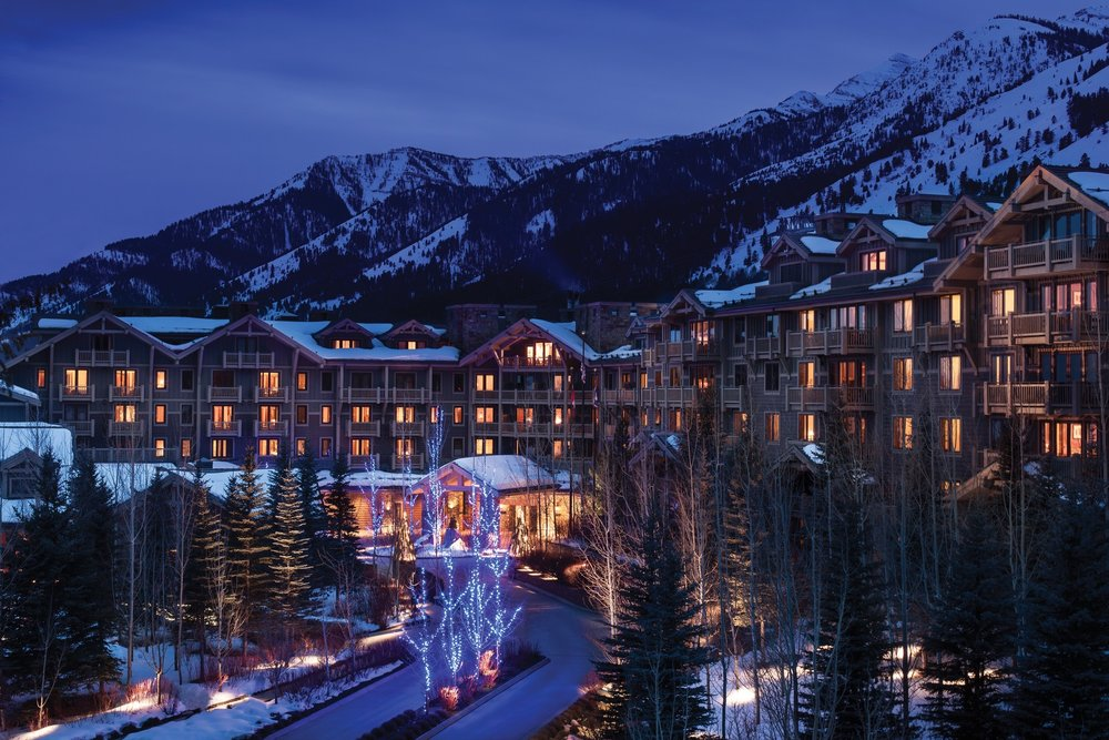 Located slopeside, Four Seasons at Jackson Hole lights up at night. - © Don Riddle/Four Seasons Jackson Hole