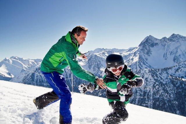 Destination Saint Lary pour des vacances au ski en famille... - © Office de Tourisme de Saint-Lary
