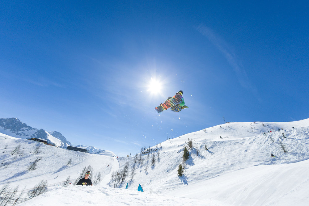 Session freestyle sur les modules du snowpark d'Isola 2000 - © R. Palomba / Stations du Mercantour
