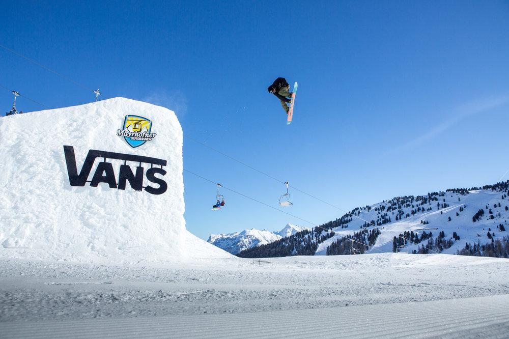 Der VansPenkenPark bietet alles, was sich Snowboarder wünschen - © Mayrhofner Bergbahnen