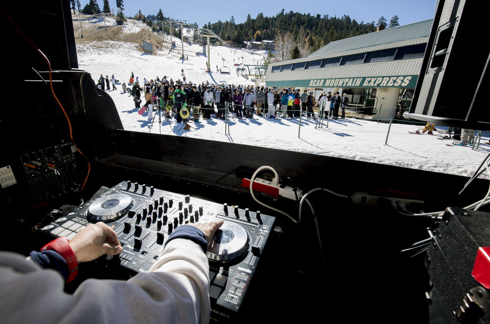 Crowds line up at Bear Mountain Express during opening. - © Big Bear Mountain Resort