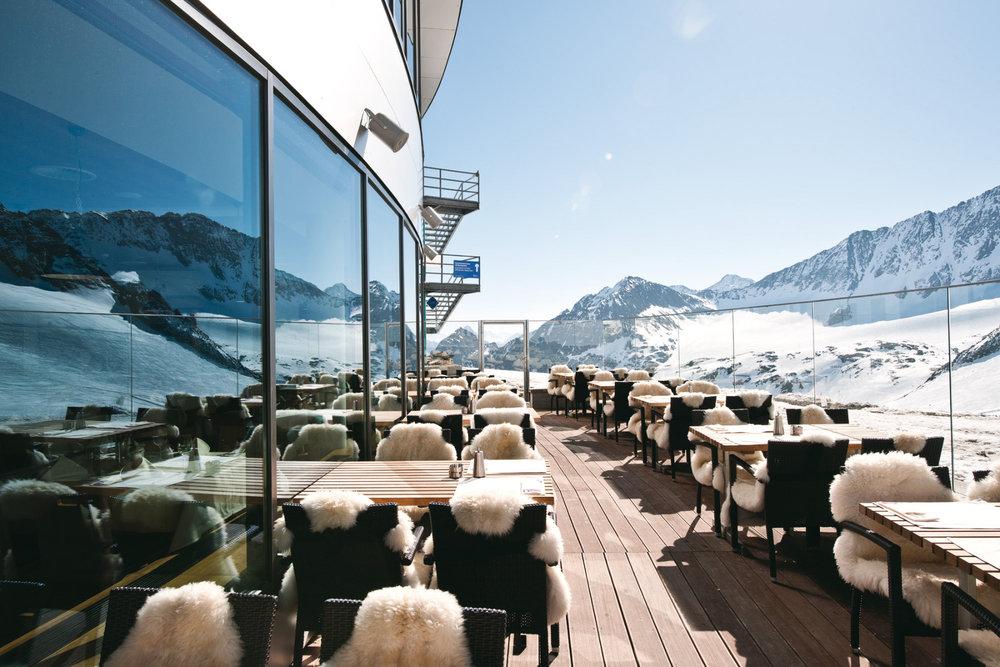Restaurant Schaufelspitz am Eisgrat - © Stubaier Gletscher | Andre Schönherr