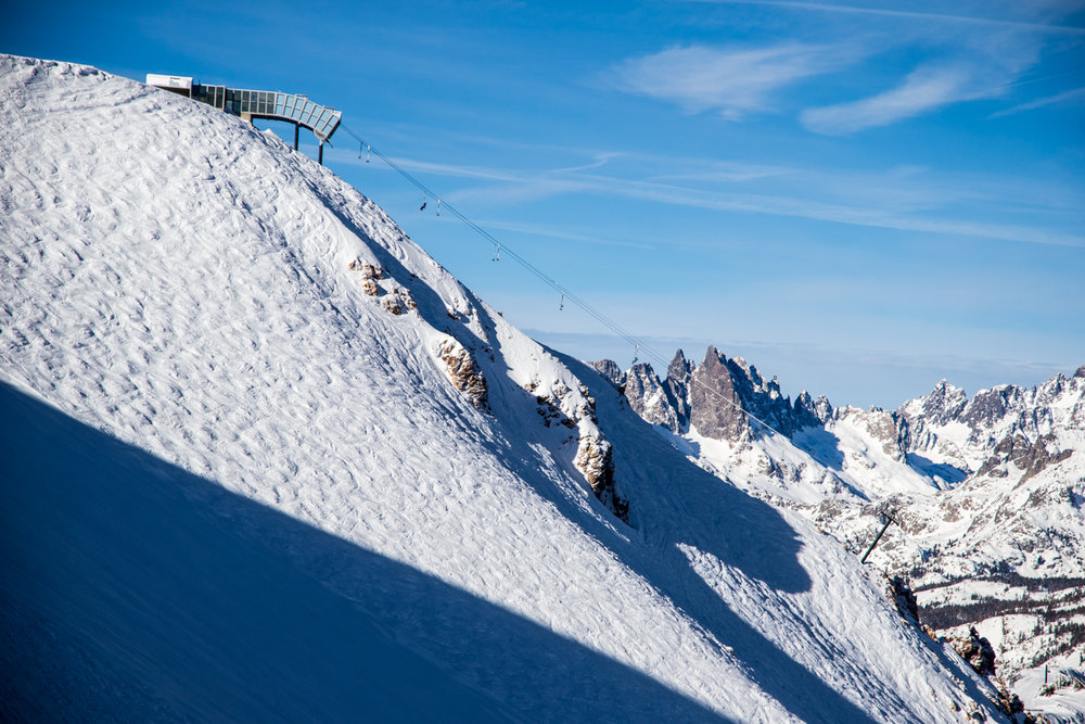 Mammoth in moguls off Chair 23. - © Liam Doran