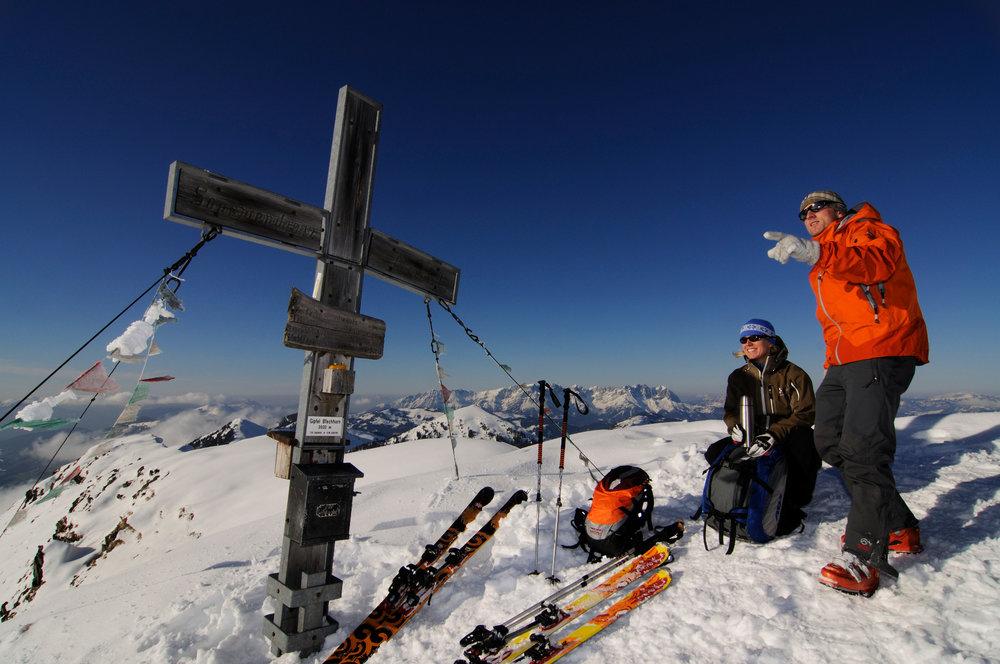 Auf dem Gipfel des Brechhorn mit Blick auf den Wilden Kaiser - © Nobert Eisele-Hein