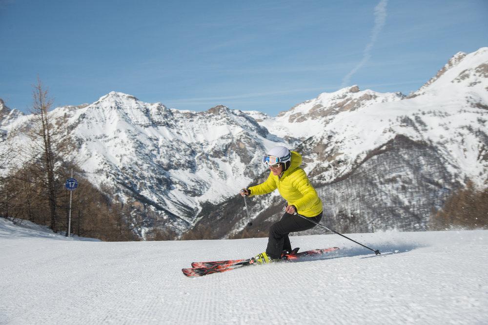 Une belle journée de ski en perspective sur les pistes de Molines/St Véran  - © M. Molle / OT du Queyras