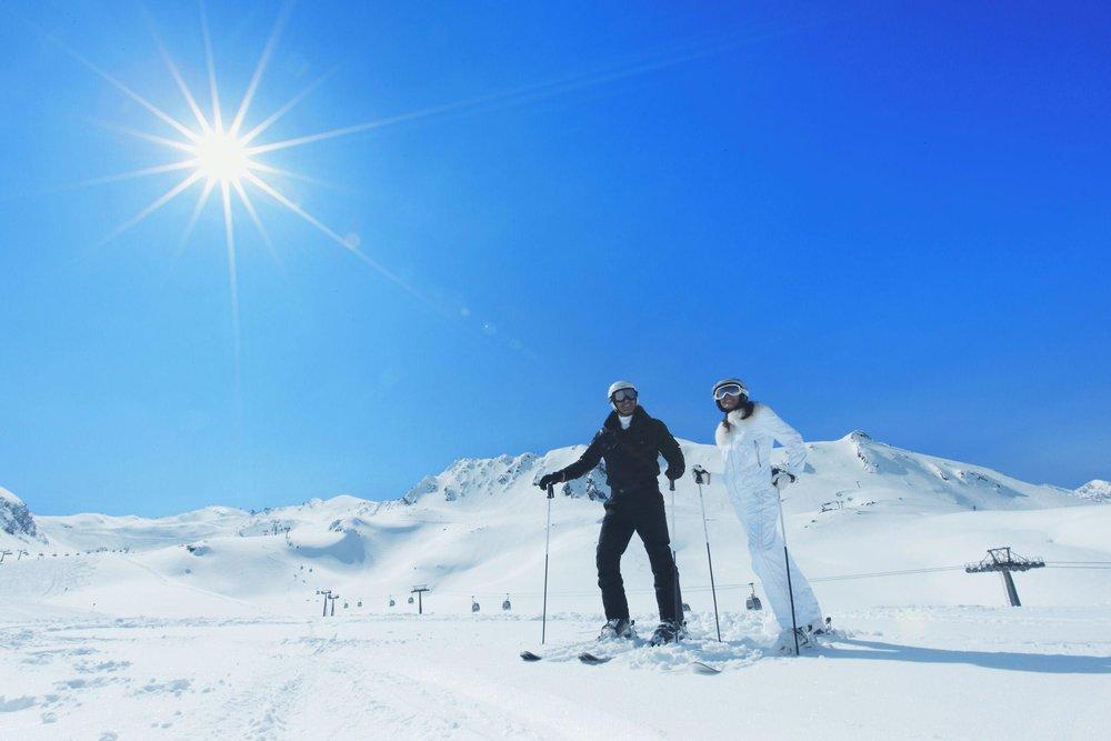 A pair of skiers at Obergurgl-Hochgurgl. Copyright: Ötztal Tourismus.