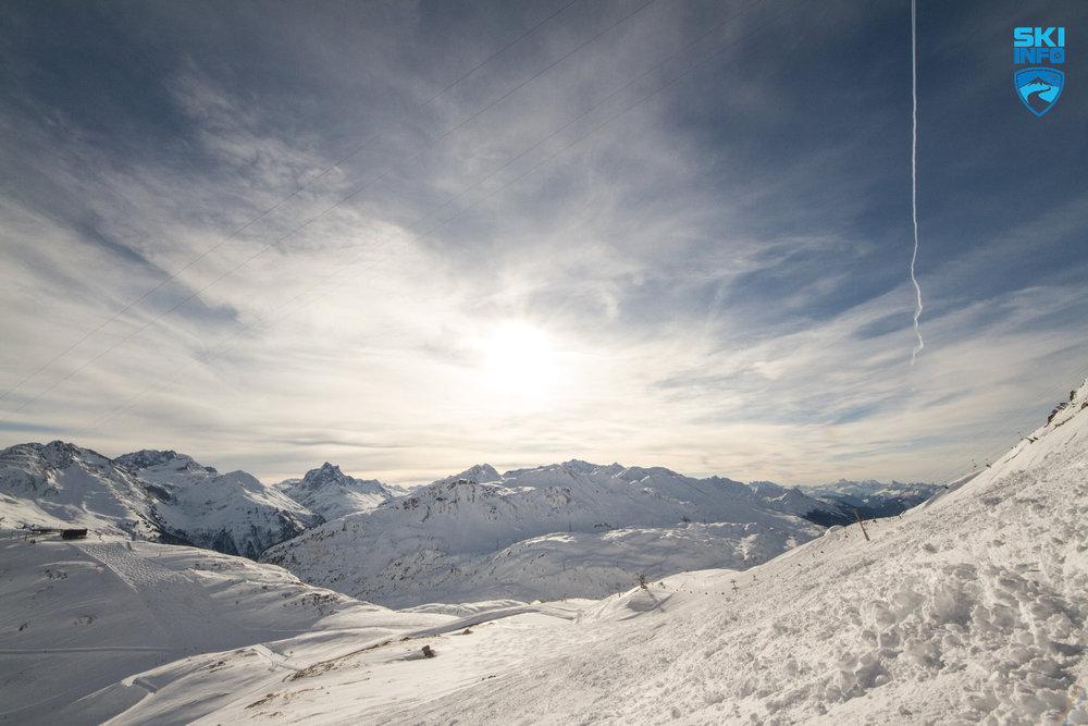Abwechslungsreich mit unzähligen Freeride-Optionen: St. Anton am Arlberg - © Skiinfo