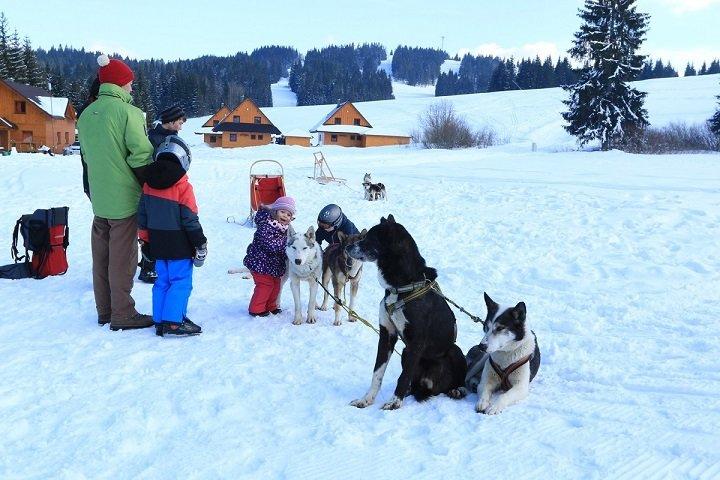 Orava Snow - Ski Oravská Lesná prináša lyžiarsku aj nelyžiarsku zábavu najmä rodinám s deťmi - © Orava Snow