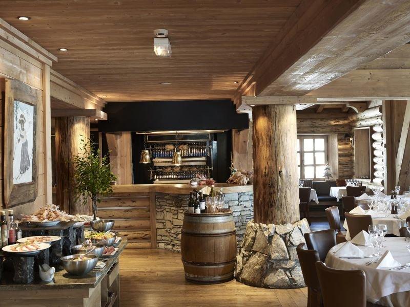 La Table de l'Ours à l'Hôtel & Spa 5* Les Barmes de l'Ours, Val d'Isère - © Les Barmes de l'Ours
